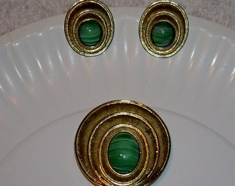 Mid Century Pin Clip Earrings Atomic Gold Green Antique Vintage