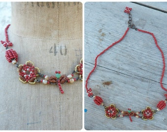 Bee glass seeds beads bright colors flowers & bee necklace