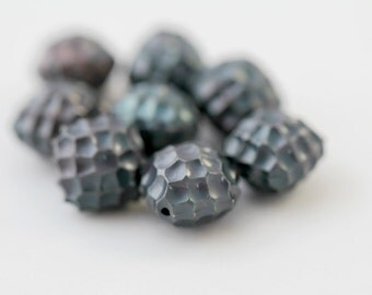 Vintage Lucite Faceted Diamond Gray Beads 14mm (8)