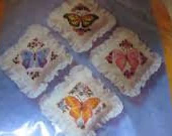 "The Creative Circle ""Wistful Butterflies Sachets"" Kit Number 1914"