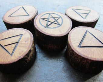 Natural Wood Element Symbols - Oak - Portable Pocket Altar.