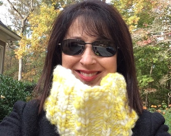 Chunky Infinity Scarf Hand Spun Neckwarmer Yellow White Hand Knit Cowl Scarf OOAK Unisex