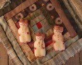 My Goode LiTtLe CoaLy'S...seT oF ThrEE PRiMiTiVE  PuRe WhiTE BeeWaX OrNaMenTS
