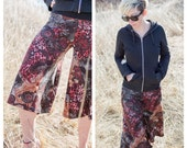 Black & Red paisly gauchos