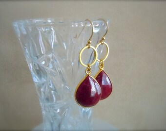 Opaque Ruby Teardrop and Gold Ring Earrings