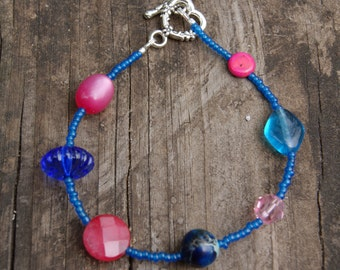 Vintage Italian Seed Bead and Vintage Lucite and Glass Bead Bracelet