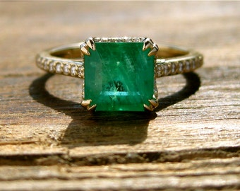 Brazilian Emerald Engagement Ring in 14K Yellow Gold with Diamonds and Scrolls Size 8