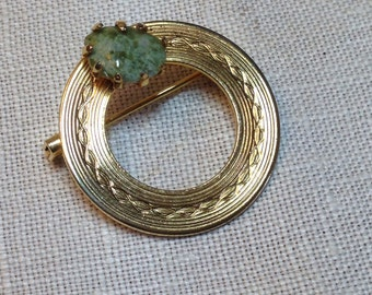 Vintage Circle Pin Brooch With Green Stone Gold Tone