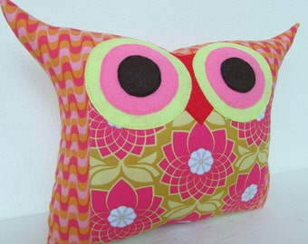 Valentine day sale/pink/ lily  owl pillow/room decor/for her (large size)