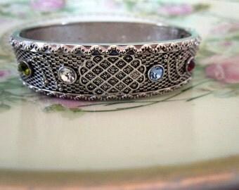 Vintage mesh style Rhinestone hinged Bangle bracelet