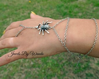 Pet Spider Finger Ring/Hand Harness Slave Bracelet