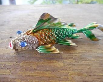 Vintage Enamel & Rhinestone Swimming Fish Trembler Pin Brooch