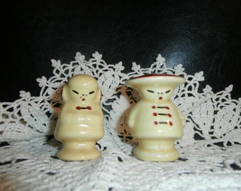 Salt & Pepper Shakers Chinese Couple- Figurine -Set-  Ivory White with Red Hat Accents  #301-2