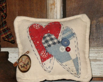 Primitive Pillow Tuck, Upcycled Vintage Quilt, Pin Tuck