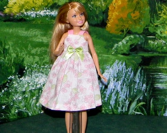 STCE1-66 ) Stacie doll clothes ( pretty pink and green sundress )