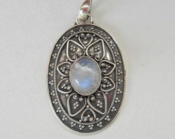 Ravish sterling Silver Moonstone Pendant / silver 925 / Bali granulation technique/ handmade jewelry