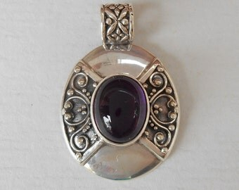 Balinese sterling silver amethyst cabochon pendant / Bali handmade jewelry / silver 925 / granulation art