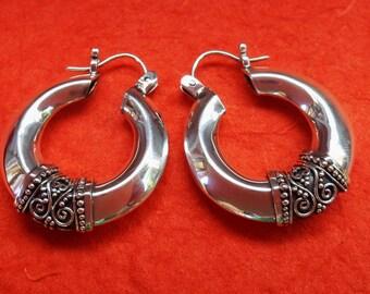 Balinese Sterling Silver Tribal style hoop Earrings / 1.25 inch long / silver 925  / Bali handmade jewelry