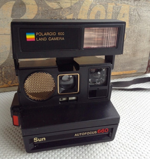 vintage polaroid sun 660 autofocus with flash. Black Bedroom Furniture Sets. Home Design Ideas