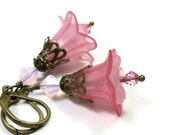 Rose Pink Swarovski Crystal and Lucite Flower Dangle Earrings, Vintage Style Jewelry, Gifts for Gardeners, Pantone Spring, Pink Cayenne