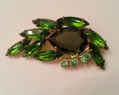 Vintage Juliana Style Green Open Backed Brooch