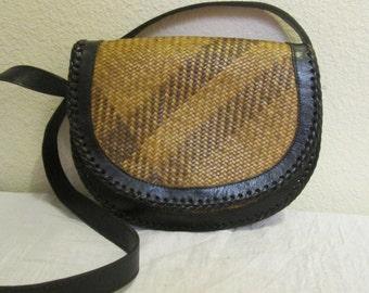 Vintage Elliot Lucca Brown stripe Straw Black Leather Trim Saddle bag Purse