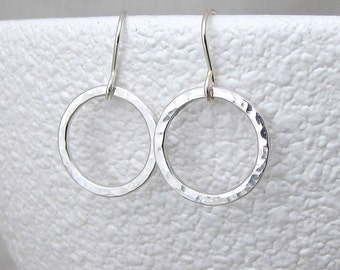 Silver Hoop Earrings Small Hammered Circle Earrings Simple Hoops Minimalist Jewelry Every Day Hoop Earrings Sterling Silver Circle Earrings