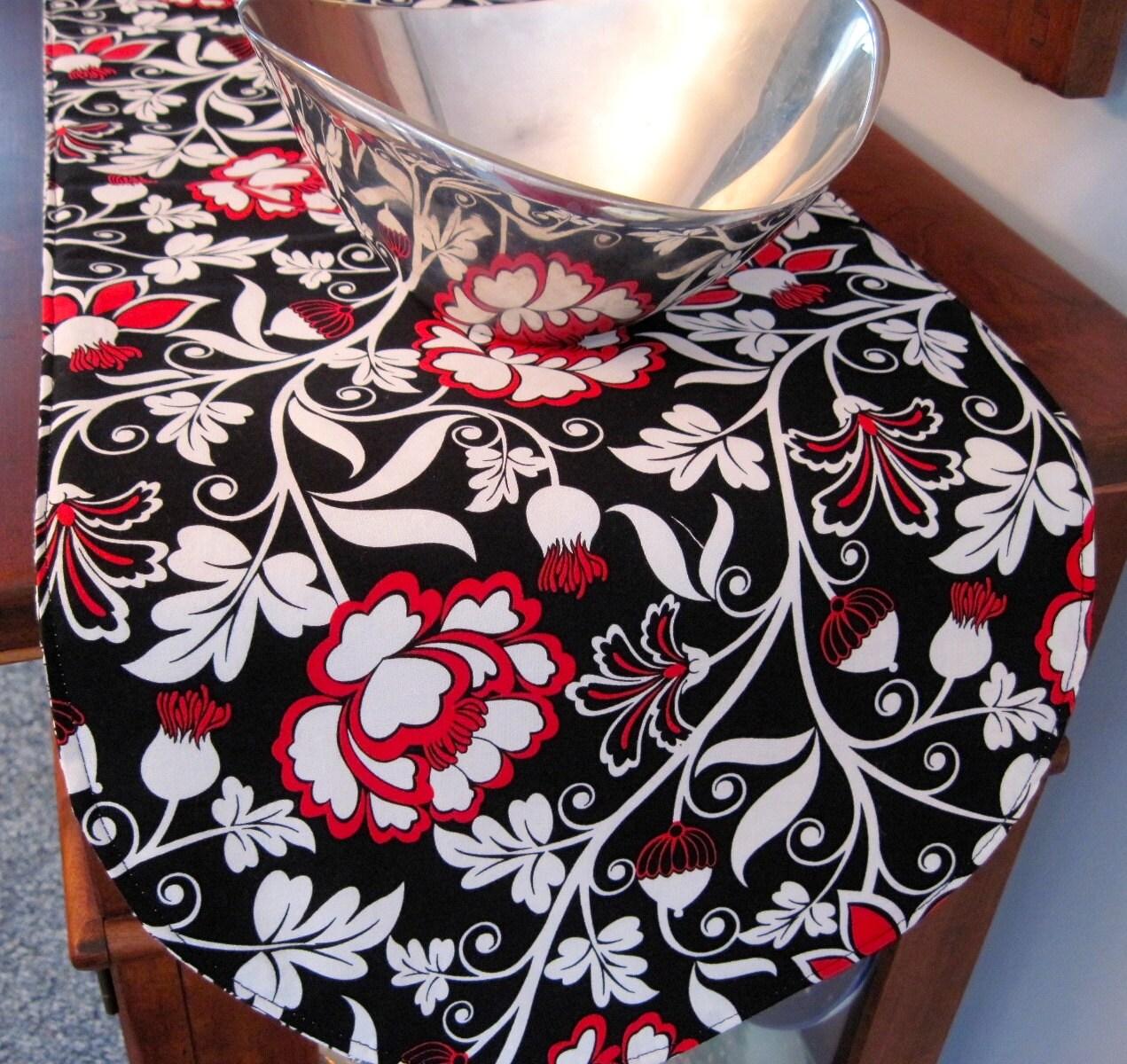 black and red table runner 36 reversible modern black. Black Bedroom Furniture Sets. Home Design Ideas