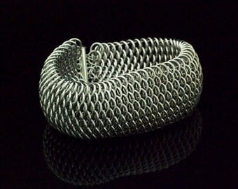 Dragonscale Bracelet Kit or Ready Made - Handcrafted Jump Rings in Comfortable Aluminum