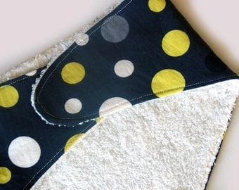 Bandana Bib, dribble bib in black lolli dots
