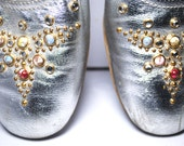 1960s Jewel Silver Lamé Old Hollywood Harem Slippers Loafers 8 8.5 38 39