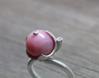 Feminine Pink Peruvian Opal Diamond Silver Ring Large Round Blush Bead Soft Unique Sculptural Vessel Setting Gift Idea For Her - Rosenkelch