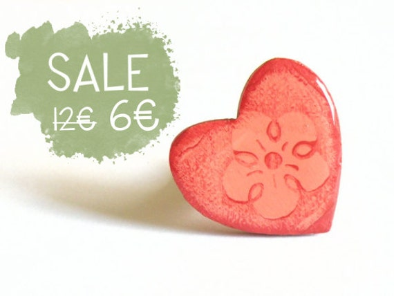 Valentines Heart ring, wooden hand-painted red heart applied on an adjustable ring base
