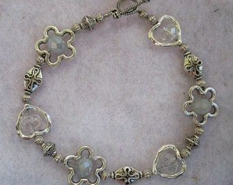 Silver Hearts & Flowers Beaded Bracelet Jewelry Handmade NEW Accessories 8 inches Bead Frames Fashion