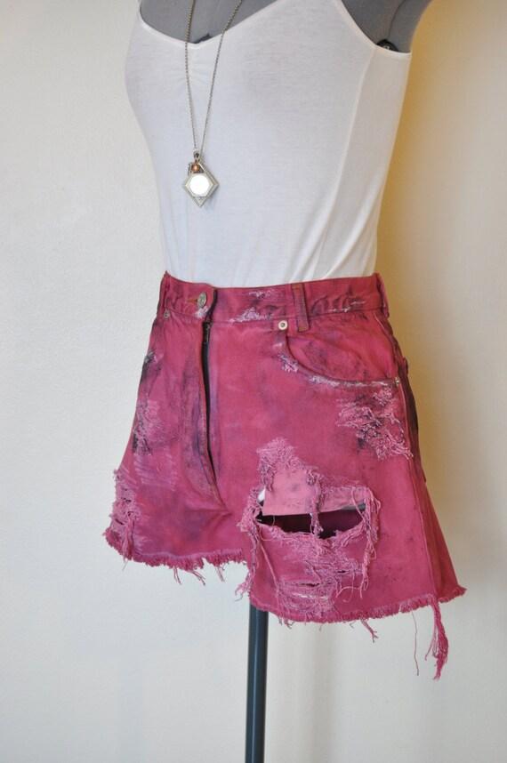 Wine Sz 6 J Crew Denim SHORTS - Hand Dyed Wine Urban Style Denim Destroyed High Rise Vintage J Crew Shorts - Adult Womens Size 6 (28 Waist)