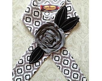 READY TO SHIP Gray and Black Quatrefoil Headwrap Black and White Headband Tichel Sash Headcover Tie on Headband Head Wrap Gifts for Her