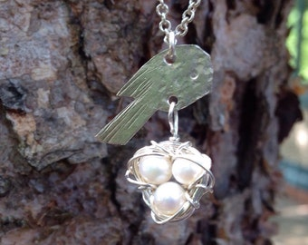 Freshwater Pearl Bird's Nest Necklace