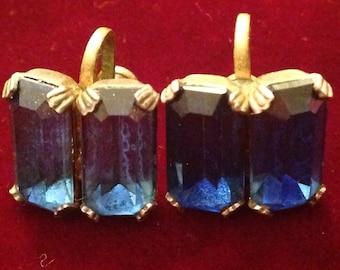 Vintage Rhinestone earrings, screw back, saphire blue color
