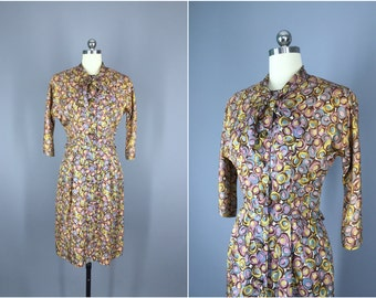 Vintage 1950s Dress / 50s Day Dress / 1950 New Look / Circles Novelty Print / Size Small S to Medium M