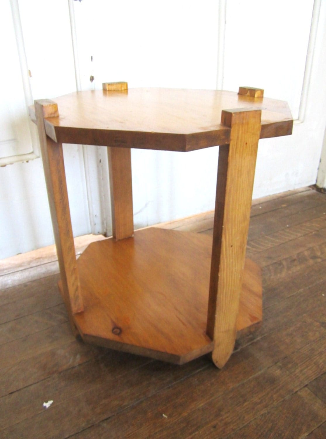 Awesome vintage plant stand or small accent table haute - Petite table haute ...
