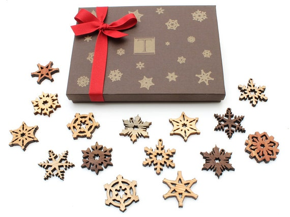 CLEARANCE!!! Mini Snowflake Ornaments - Designer Gift Box Mini Set of 15 . Timber Green Woods