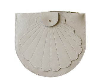 Scallop clutch, white leather clutch, purse, shell clutch, shell white, zip pouch