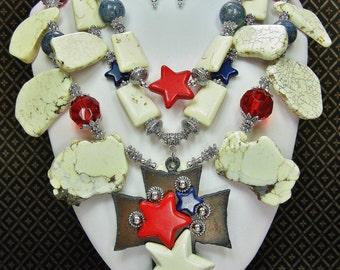 PATRIOTIC CHUNKY STATEMENT Western Cowgirl Necklace / Red White Blue Necklace / Star Necklace / Texas / Lone Star Necklace - FReeDoM