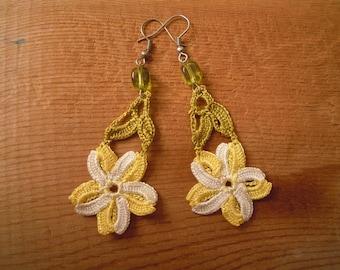 crochet flower earrings, yellow white green