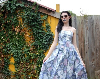 Pastel hydrangea floral print 50s style dress 90s