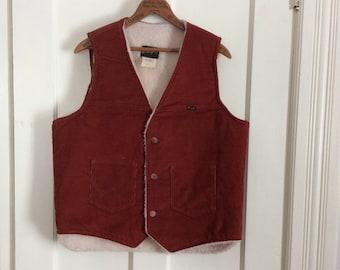 Vintage Wrangler Fleece lined Corduroy Vest Rust size Large crisp