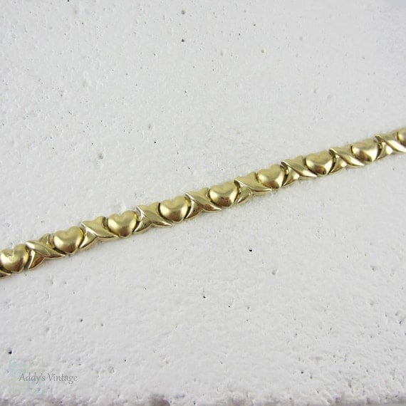 Hearts And Kisses Bracelet: Vintage Yellow Gold Heart Link Bracelet. Hugs And Kisses XOXO