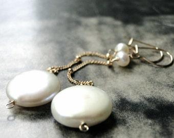 Statement Earrings / Jewelry / Freshwater Coin Pearl Earrings / 14k Gold Filled Earrings / Wedding Earrings / Dangle Pearl Earrings