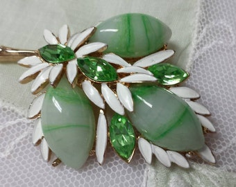 Green givre Glass and Enamel brooch