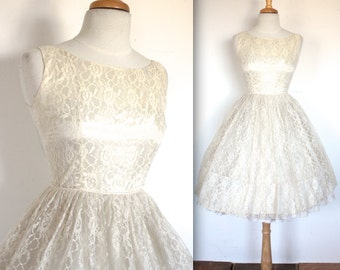 Vintage 1950s Wedding Dress // 50s Ivory Lace Wedding Dress // Sweetheart Party Prom Gown // DIVINE